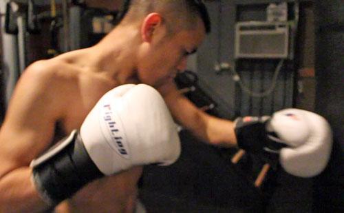 apprendre a boxer avec un sac