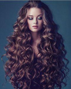 avoir de beaux cheveux frisés