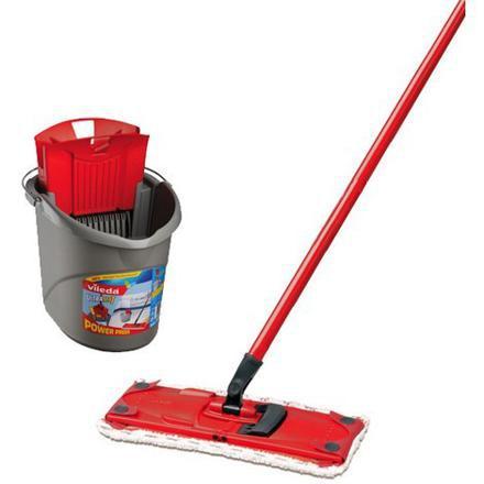 balai pour nettoyer le sol