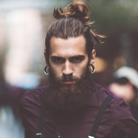 barbe cheveux long