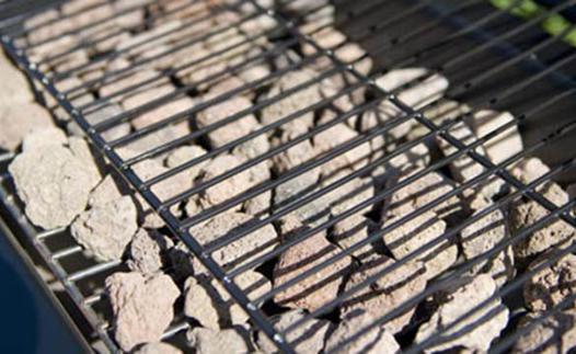 barbecue a pierre de lave