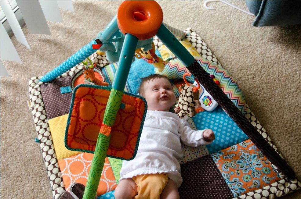 bebe 3 mois eveil