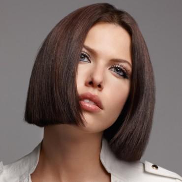 cheveux lisse court