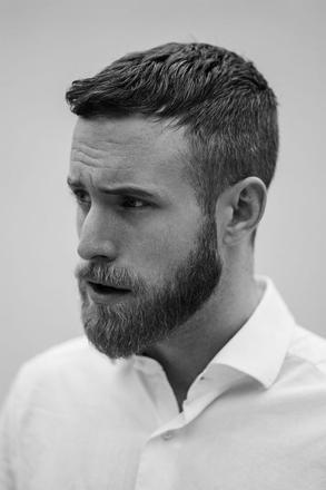 coupe de cheveux homme court avec barbe