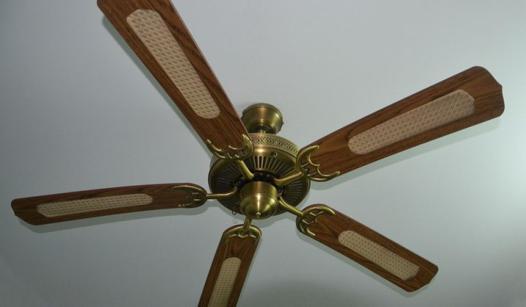 fixation ventilateur de plafond