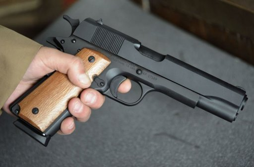 pistolet 11 45