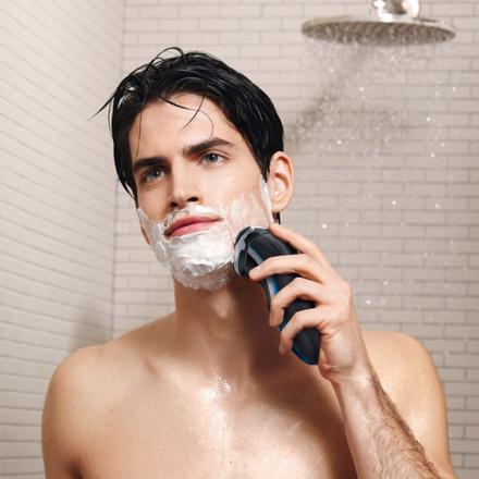 rasoir electrique avec mousse a raser