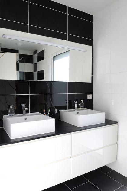 salle de bain noir et blanche