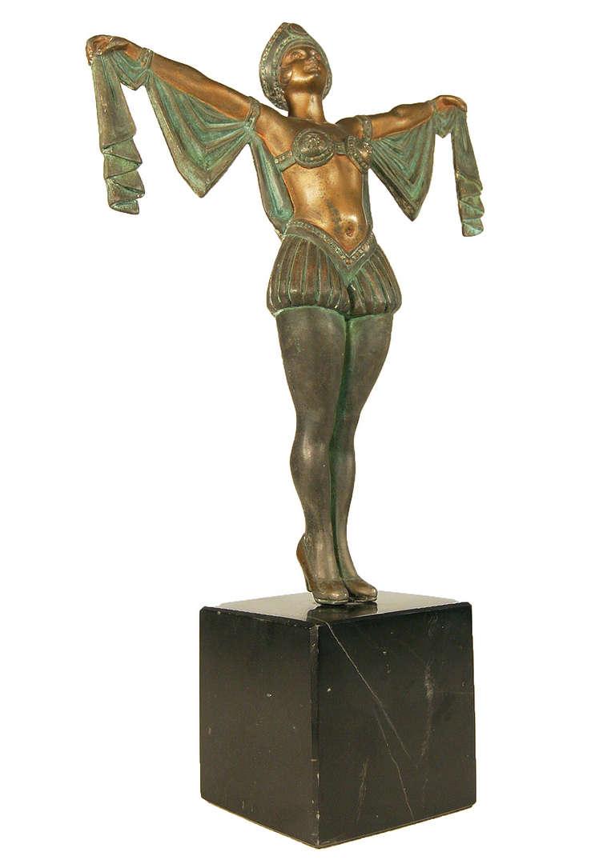 statue deco