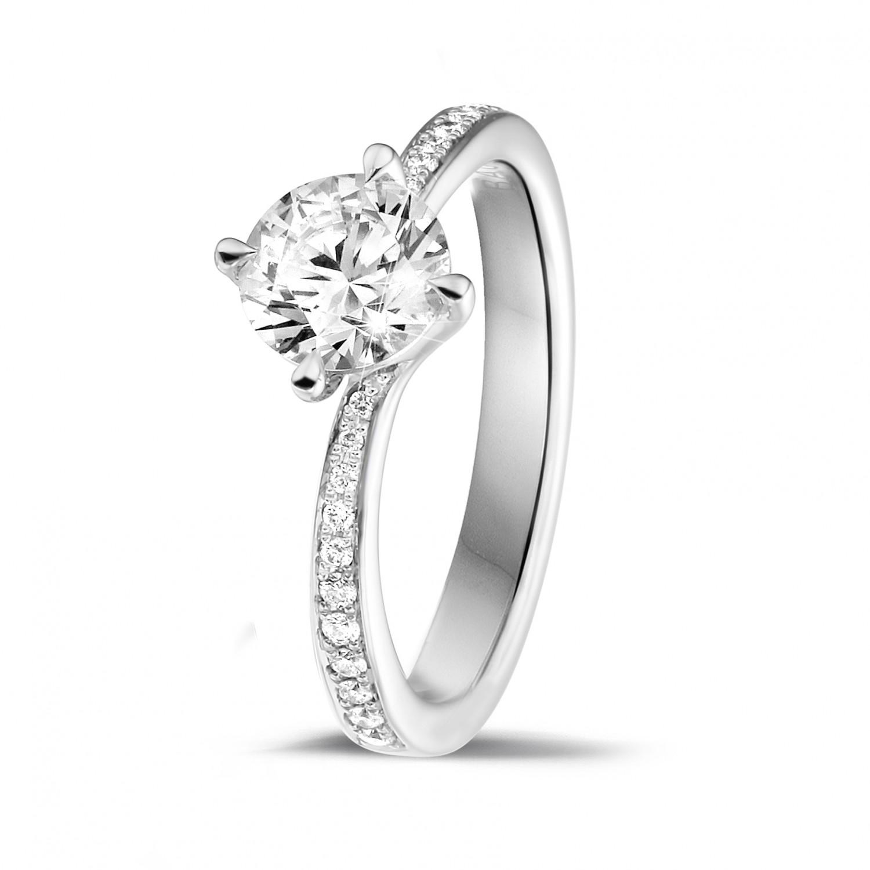 bague avec diamant