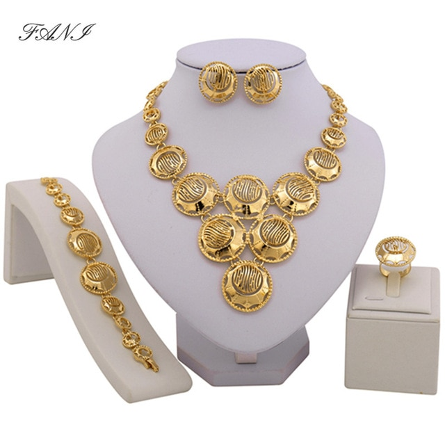 bijoux or