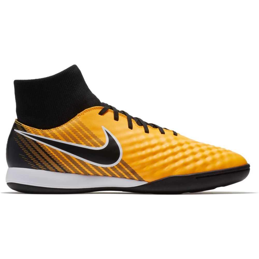 chaussure de foot synthétique nike