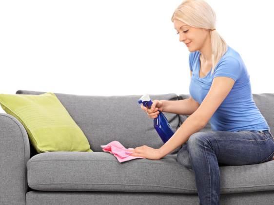 nettoyer un fauteuil en tissu