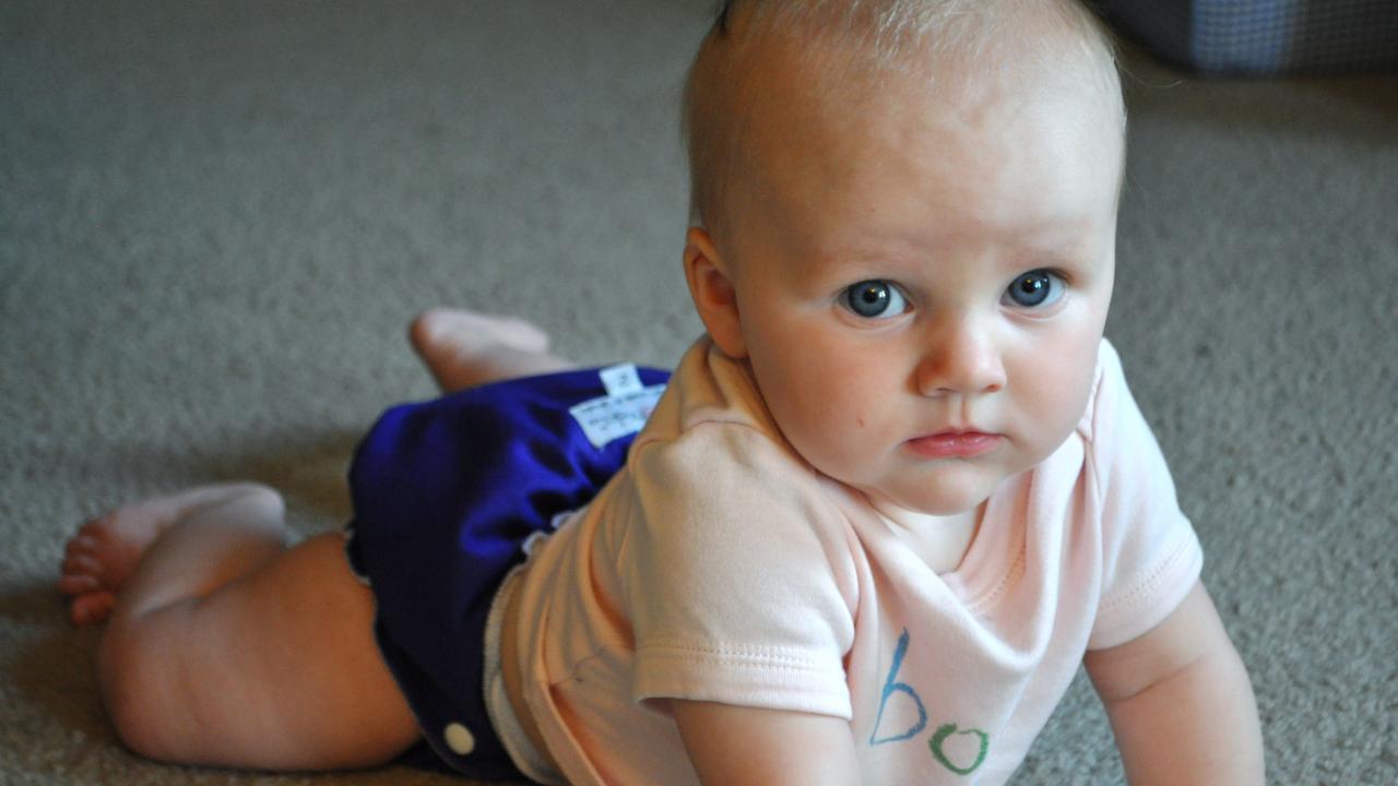 que fait bébé à 7 mois